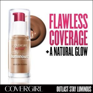 Base CoverGirl Outlast Foundation Soft Sable 875